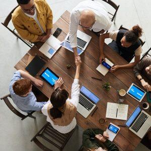 Regali aziendali personalizzati per creare senso di appartenenza